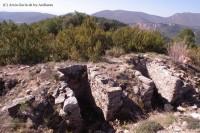 Pared sud o de migdia aprofitada per posar-hi trinxeres-Foto Josep Sansalvador-Arxiu Gavín