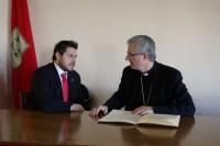 L'Alcalde de La Fuliola Il·lm. Sr. Eduard Piera, amb Mons Joan-Enric Vives