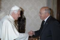El Sant Pare saluda al Ministre d'Exteriors d'Andorra, Xavier Espot
