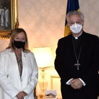 Mons. Joan-Enric Vives recibe a la Directora General de Asuntos Religiosos de la Generalitat de Cataluña