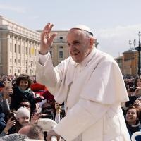 Mensaje por la recuperación del Papa, del Arzobispo y Copríncipe